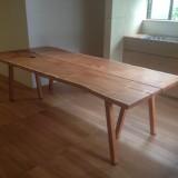ナシの大テーブル
